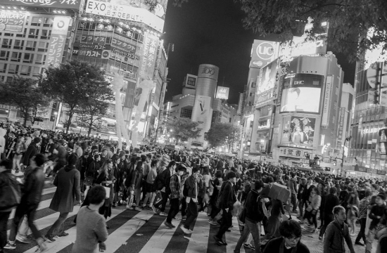 Tokyo has a population ofnearly 15,000 people per square kilometre (in Prague the figure is approximately 2,500).