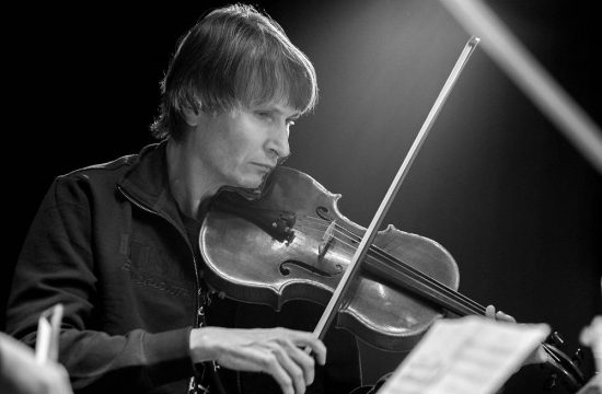 Jaroslav Pondělíček, the Czech Philharmonic's lead violist, during a rehearsal for a chamber music concert at the Kawai concert salon in Tokyo.