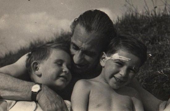 Karel Ančerl sesyny Jiřím aIvanem vlétě 1952