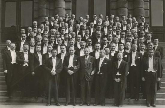 Skupinová fotografie sČeskou filharmonií