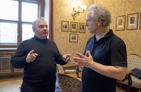 Seskladatelem Milošem Bokem