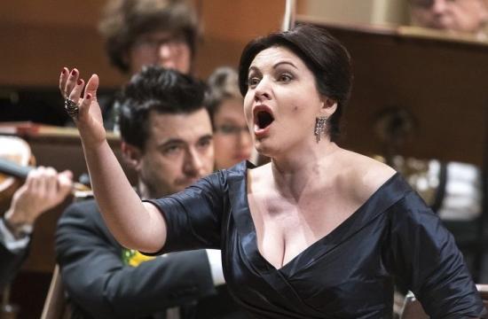 Atou byla sopranistka Hibla Gerzmava