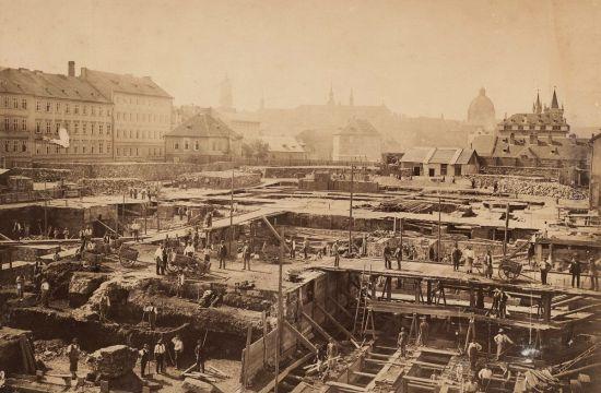 Stavba Rudolfina – hloubení apříprava základů