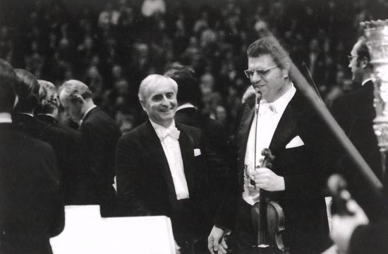 Václav Neumann s Josefem Sukem po koncertě Pražského jara, 1973