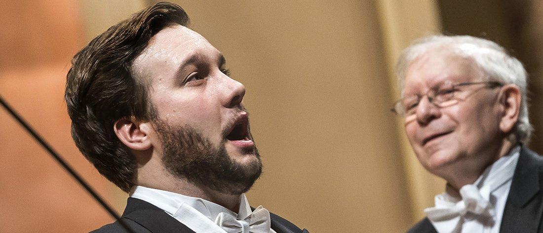 Jan Martiník při vystoupení s Českou filharmonií – Foto: Petr Kadlec